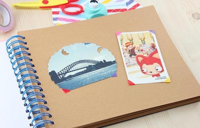粘贴相册内页设计图片